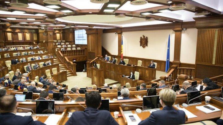 Socialiștii și deputații Platformei Pentru Moldova boicotează ședința Parlamentului