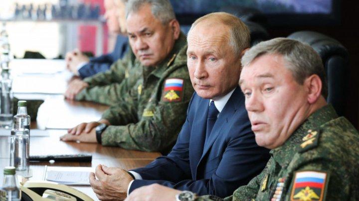 """Rusia amenință deschis Ucraina cu distrugerea. Kievul: """"Dacă Rusia încalcă linia roşie, va trebui să sufere consecințe"""""""