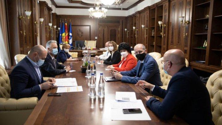 Președintele Parlamentului a convocat Guvernul în exercițiu, după anularea stării de urgență