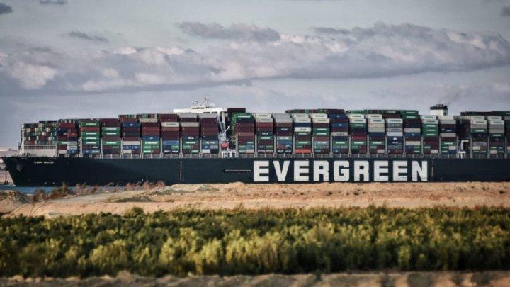 Egiptul nu vrea să lase nava Ever Given să iasă din Canalul Suez până nu vor fi plătite despăgubirile