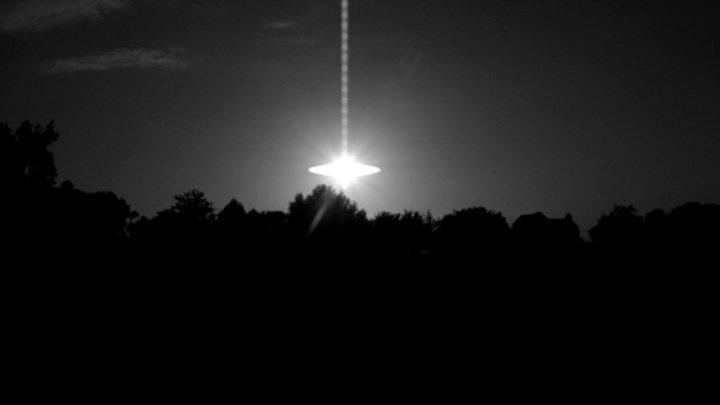 """Pentagonul a confirmat că o serie de imagini cu OZN-uri sunt """"reale"""""""