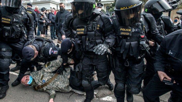 Moscova anunță răspunsul pentru Praga: 20 de diplomați cehi vor fi expulzați