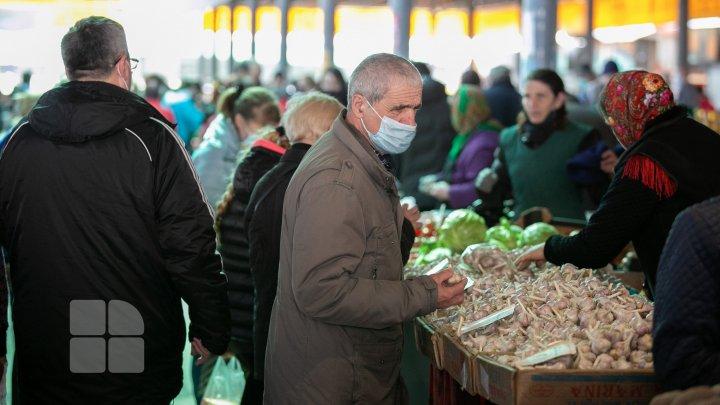 Oamenii, în goana după cumpărături pentru masa de Paşte (FOTOREPORT)