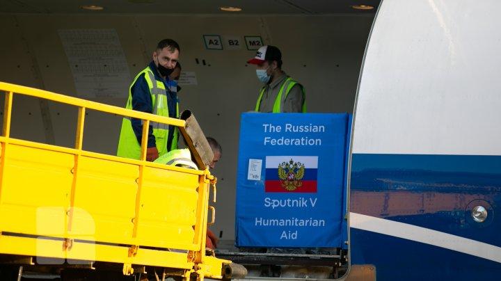 Cea de-a doua tranșă de vaccin Sputnik V a ajuns la Chișinău (FOTO)