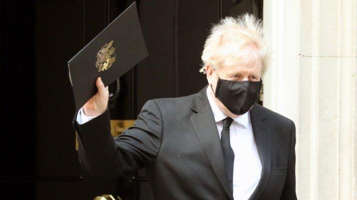 Boris Johnson s-a tuns în ziua ieşirii din lockdown a Marii Britanii
