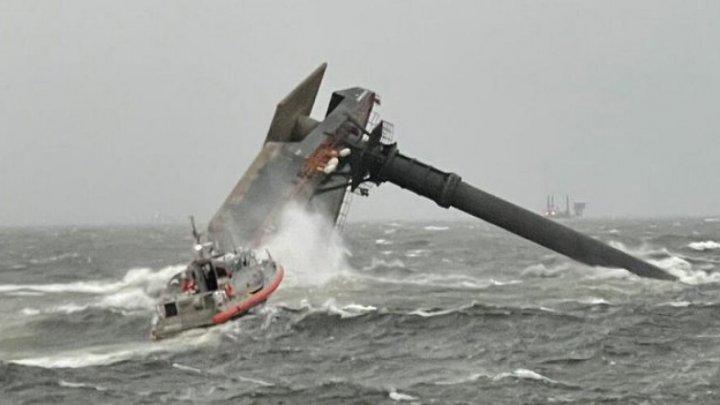 SUA: Un mort şi 12 oameni dispăruţi după răsturnarea unei nave în largul statului Louisiana