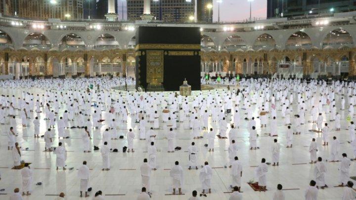 Ramadanul, afectat de pandemie. La pelerinajul de la Mecca pot participa doar cei care au imunitate la COVID-19