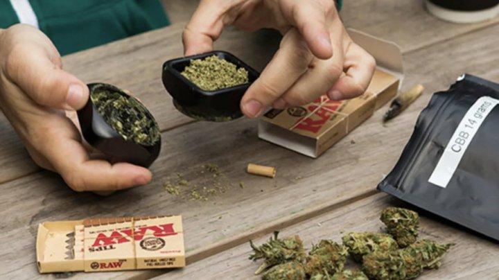 SUA: Guvernatorul Virginiei a semnat legalizarea posesiei de marijuana de la 1 iulie