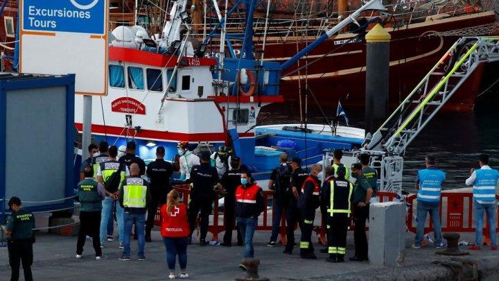 O ambarcațiune cu 24 de cadavre la bord, găsită în apropierea uneia din Insulele Canare