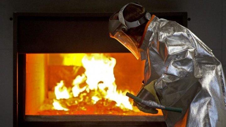 Mărturiile angajaților din crematoriile din India. Cuptoarele încep să se topească