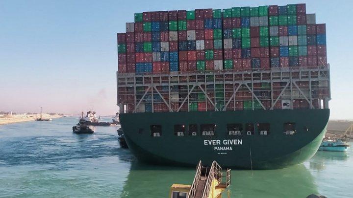"""Egiptul a sechestrat nava """"Ever Given"""" și cere să îi fie plătite 900 de milioane de dolari ca despăgubiri pentru deblocarea acesteia"""