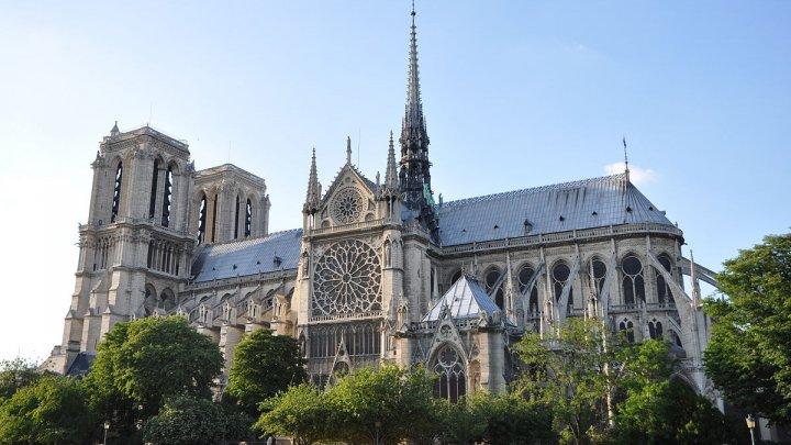 Catedrala Notre-Dame din Paris, devastată de un incendiu, va fi redeschisă în 2024