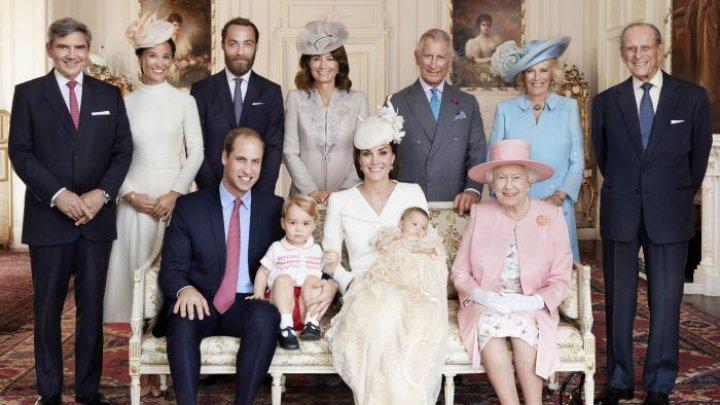 Familia regală din Marea Britanie va renunța la uniforme militare la înmormântarea Prințului Philip, pentru a nu-l stânjeni pe Harry