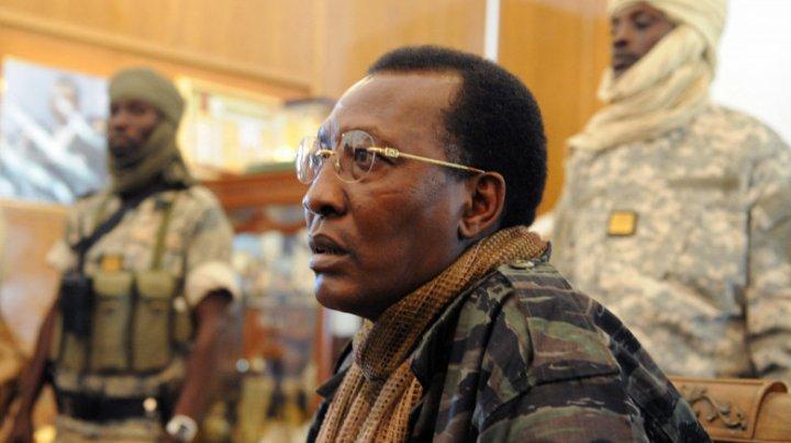 Președintele Ciadului a murit în luptă, la o zi după ce câștigase alegerile. Fiul său i-a luat locul