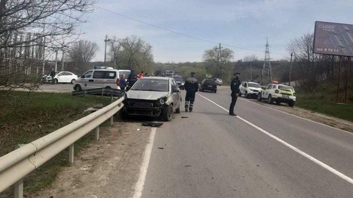 ACCIDENT la Hîncești, după ce o șoferiță nu s-a asigurat în intersecție (FOTO)
