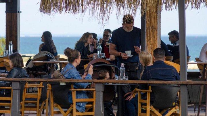 Grecia a anunțat când se vor redeschide restaurantele
