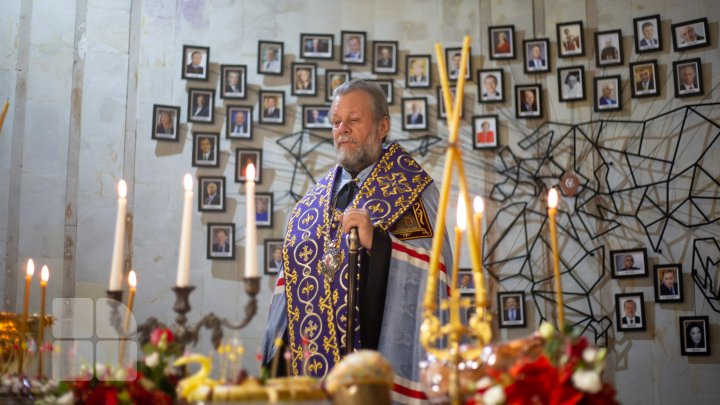 Mitropolitul Vladimir a oficiat o slujbă de binecuvântare la o vinărie din țară și a sfințit licoarea lui Bacchus (FOTO)