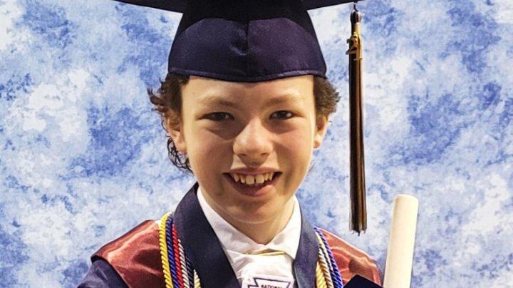 Un copil de 12 ani va absolvi liceul și facultatea în aceeași săptămână. Cum a fost posibil