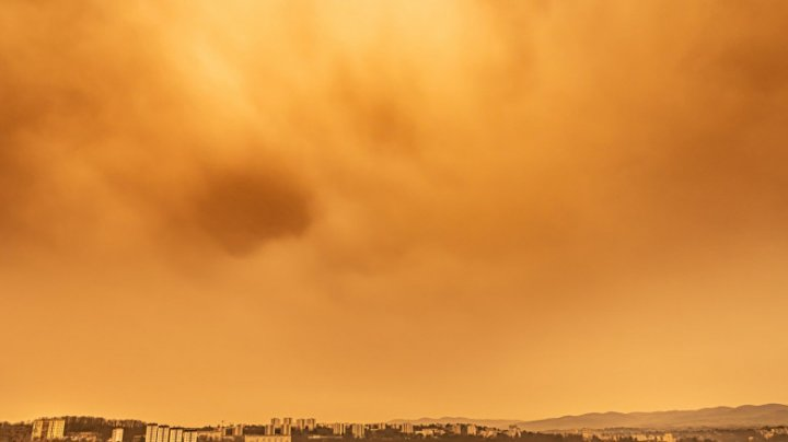 Un nor de praf saharian ajunge la sfârşitul acestei săptămâni în România. Care vor fi regiunile cele mai afectate