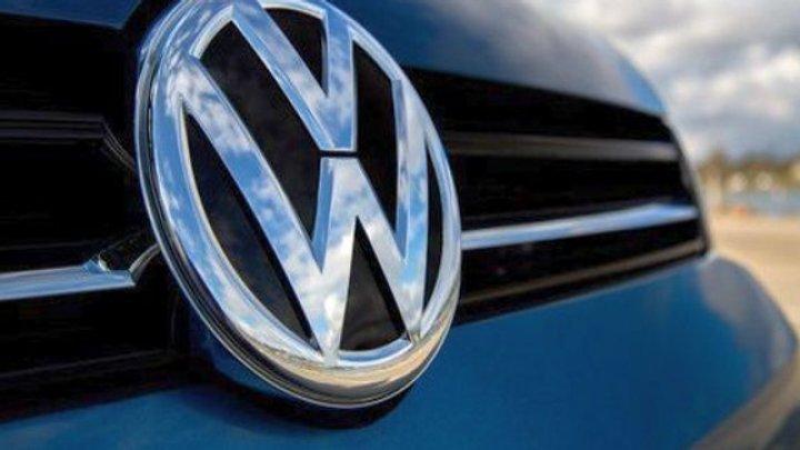 Scandalul emisiilor diesel continuă. 15 directori ai grupului Volkswagen, puşi sub acuzare