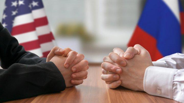 Rusia va expulza zece diplomaţi americani şi va pune capăt activităţii unor fonduri şi ONG-uri americane