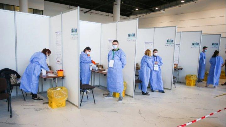 PRIMĂRIA - DA, ANSP - BA: Autorităţile Capitalei cer demararea etapei a treia de vaccinare contra COVID-19