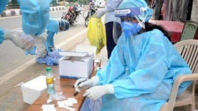 """India admite că o variantă """"dublu mutantă"""" a virusului B.1.617 a dus la creșterea dramatică a infectărilor cu Covid"""