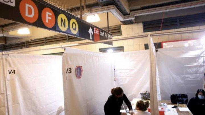 New York a deschis vaccinarea în staţiile de metrou în schimbul unor călătorii gratuite