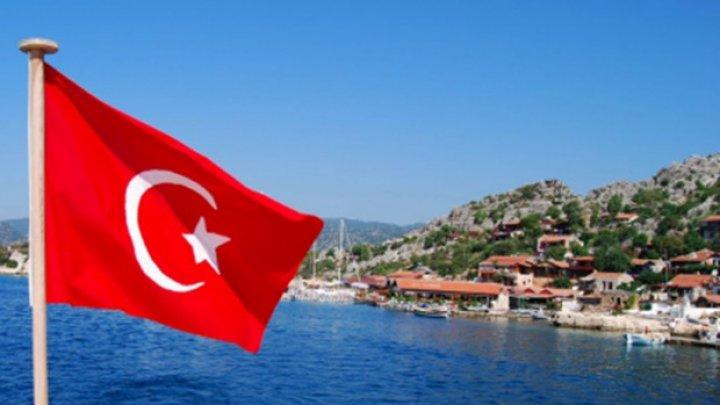 Turcia va relaxa restricţiile în timpul zilei, dar interdicţiile de circulaţie nocturne şi în weekend vor fi menţinute