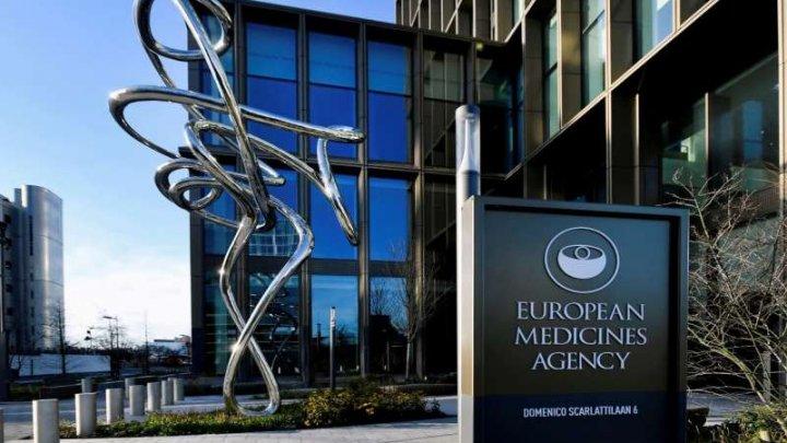EMA analizează raportările cu privire la noi efecte adverse ale vaccinurilor AstraZeneca, Pfizer-BioNTech şi Moderna