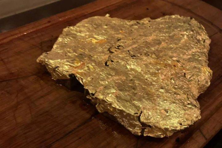 Friptură de 800 de euro la Londra. Maestrul bucătar Salt Bae deschide un nou restaurant (FOTO)
