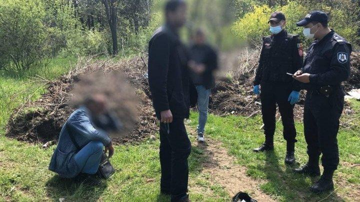 Trei barbați în stare de ebrietate narcotică, găsiți într-un parc din Bălți
