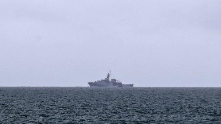 Tensiuni între Franța și Marea Britanie. Boris Johnson a trimis nave înarmate să patruleze la un protest al pescarilor francezi