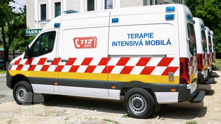 Opt ambulanțe de tip C, recepționate astăzi la Institutul de Medicină Urgentă din Capitală (FOTOREPORT)
