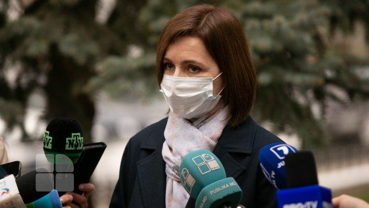 Președintele Maia Sandu s-a vaccinat cu prima doză de vaccin AstraZeneca (FOTO)