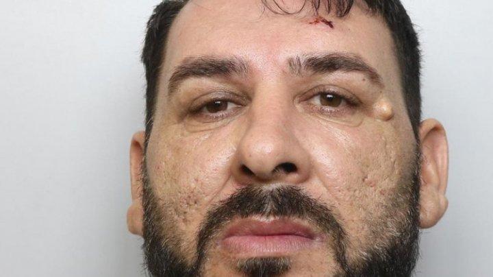 Un bărbat, condamnat în Anglia pentru că și-a torturat partenera într-o pivniță și a obligat-o să înghită inelul de logodnă