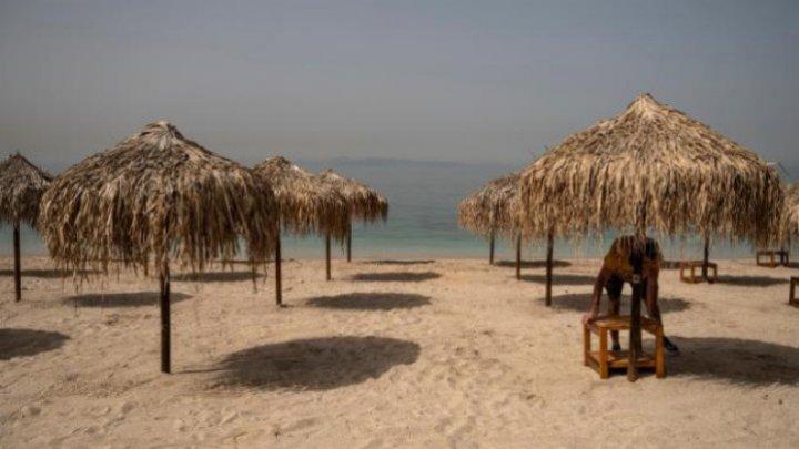 Grecia își deschide sâmbătă plajele, cu o săptămână înainte de începerea sezonului turistic