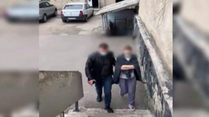 O femeie din Capitală, reținută pentru escrocherie. Cum a înșelat o companie ce prestează servicii de telefonie mobilă (VIDEO)