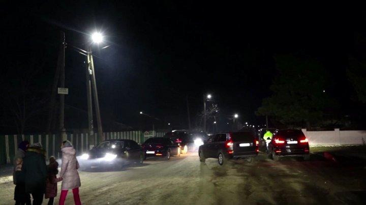 Mai în siguranță și mai iluminat: Pe străzile din Voroteț au fost instalate 360 de LED-uri