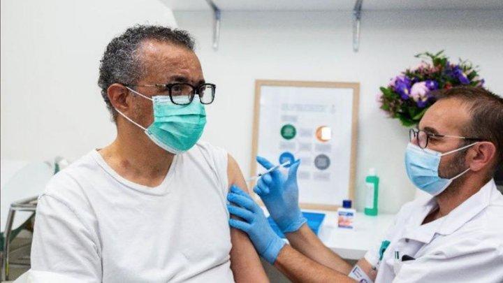 """Șeful OMS anunță că s-a vaccinat: """"Astăzi mi-a venit rândul"""""""