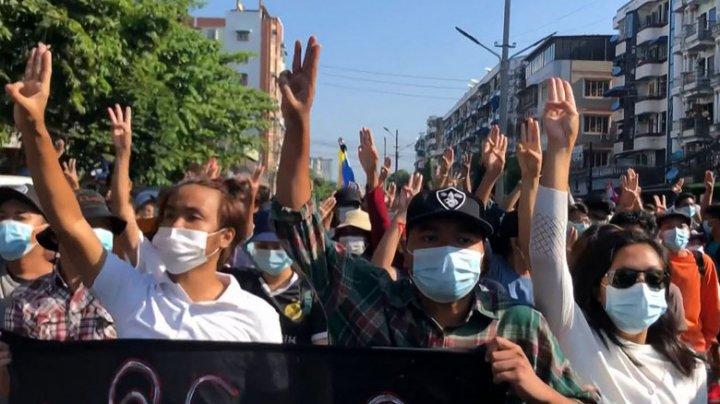 Noi proteste de amploare în Myanmar. Şapte demonstranţi au fost ucişi de forţele de ordine