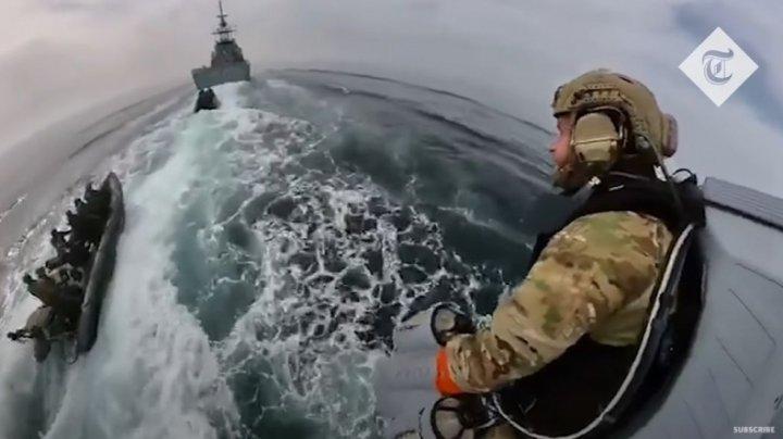 Omul de oţel devine realitate. Marina Regală Britanică a testat cu succes un costum cu propulsie