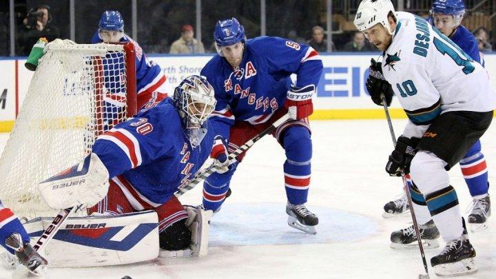 Trei jucători de la echipele New York Rangers și Washington Capitals s-au luat la bătaie într-un meci al ligii profesioniste de hochei