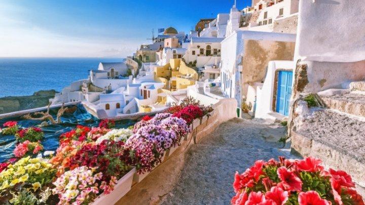 Grecia a deschis sezonul turistic. Ce condiții trebuie să respecte românii care merg în vacanță