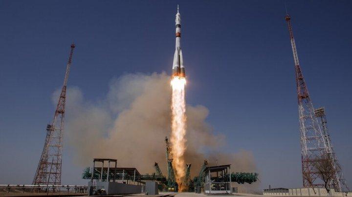 Rusia va trimite o actriţă şi un regizor la bordul ISS pentru a realiza primul film de ficţiune în spaţiu