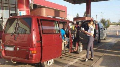 O moldoveancă, bănuită că a furat bijuterii de 200.000 de euro, reținută la vamă