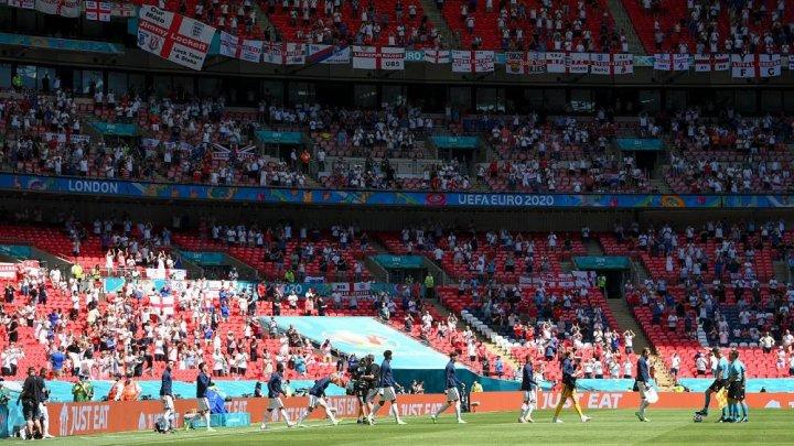 EURO 2020: Un suporter în stare gravă, după ce a căzut din tribuna stadionului Wembley