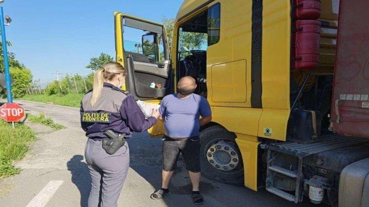 Un moldovean a fost prins beat la volanul unui camion
