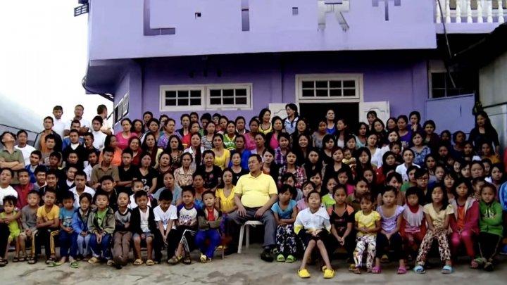 """A murit şeful """"celei mai mari familii din lume"""", lăsând în urmă 38 de soții, 89 de copii și 36 de nepoți"""