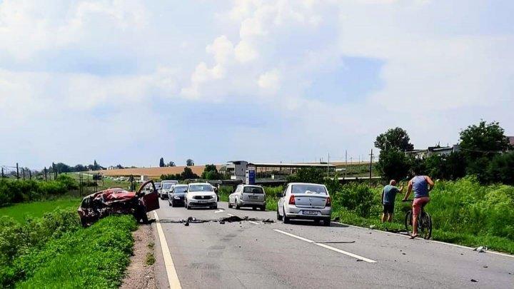 Un microbuz din Republica Moldova, implicat într-un accident în România. Sunt VICTIME (FOTO)